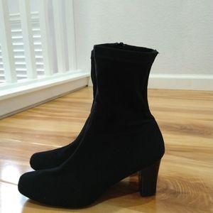 Aerosoles black ankle boots size 6.5